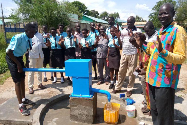 Blue pump (2x) geïnstalleerd in Juba