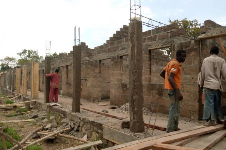 Dak Boschetti Primary School wordt gerealiseerd